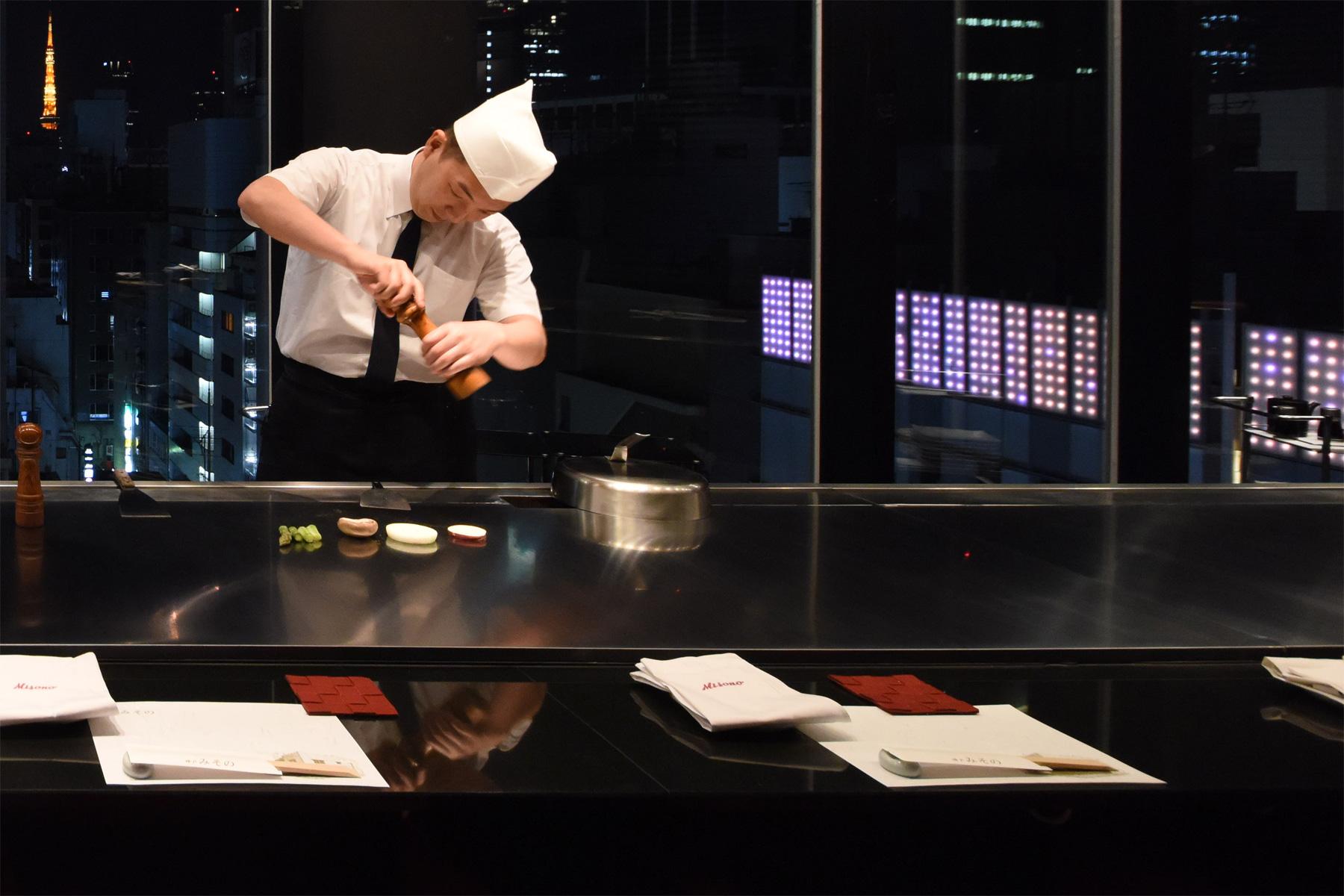 Savourer le steak teppanyaki authentique de Misono dans nos cinq restaurants superbes.